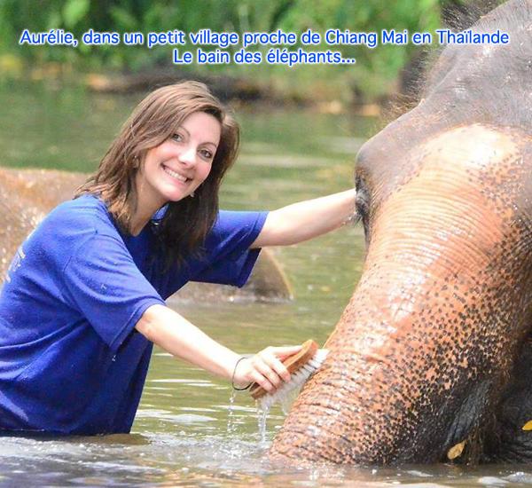 Aurélie pendant le bain des éléphants